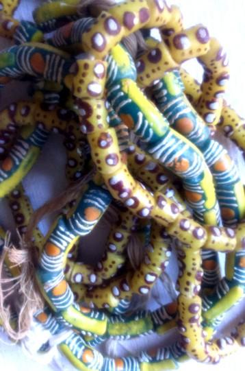 yellow:green:brown beads