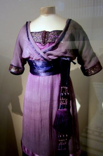 Evening dress 1912 V&A museum London